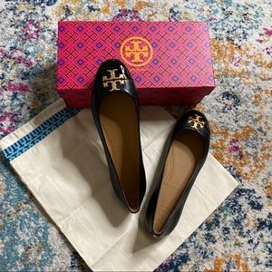 NWT Tory Burch black leather ballet flats